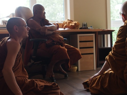 Ajahn Thaniyo and Luang Por Viradhammo meet with Luang Por Liem