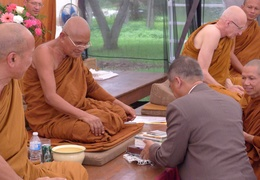 The Thai ambassador receives Dhamma books from Luang Por Liem