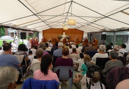 Many people gathered to hear Luang Por Liem's talk on the day of the ceremony for the upcoming meditation hall