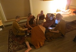 Luang Por Viradhammo shows Luang Por Liem an online map of the Perth area during a massage session with the bhikkhus. Back row L to R: Samanera Khema, Ajahn Thaniyo, Tan Sallekho, Front row L to R: Tan Cunda, LP Viradhammo, LP Liem