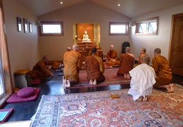 The sangha pays its respects to Ajahn Jayanto