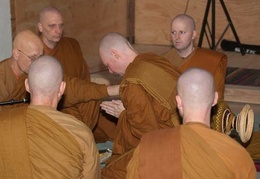 Ajahn Viradhammo instructs Samanera Sumangalo