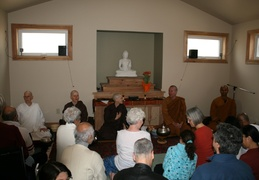 The assembly expresses their gratitude to Ajahn Kusalo